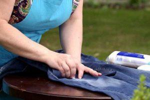 Удаление пятен с джинсов