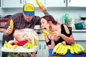 Семья и бананы