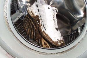 Грязные кроссы в машинке