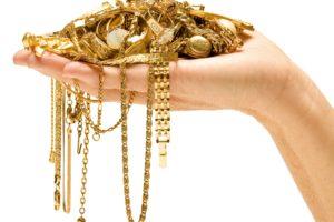Рука и много золота
