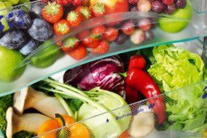 Фрукты в холодильнике