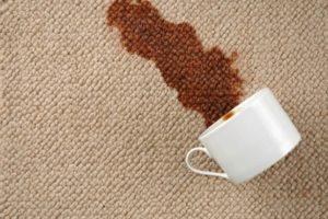 Пятно от чая на диване