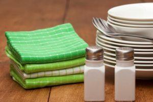 Полотенца и тарелки