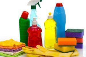 Необходимые средства для мытья зеркала