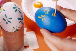 Окрашивание яиц акриловыми красками