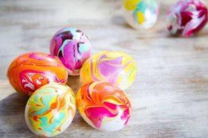 Пять крашеных яиц