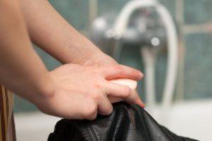 Стирка куртки мылом