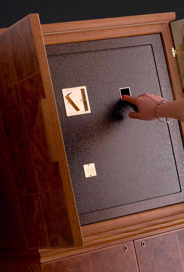 электронный сейф для офиса